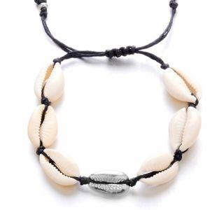 Boho Adjustable Natural Cowrie Shell Bracelet
